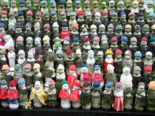 Mizuko in bibs & bonnets at Hasedera Temple
